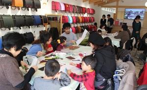 【奈良本店】「親子でつくろう!ランドセルの革でレザークラフト体験」を開催しました!