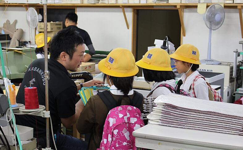 【鞄工房山本 奈良本店】夏休み!ランドセルの工房見学をしてみませんか?