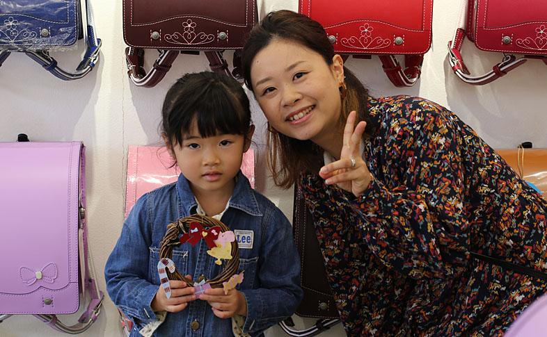 【奈良本店】ワークショップ「ランドセルの革でクリスマスリースづくり」を開催しました!