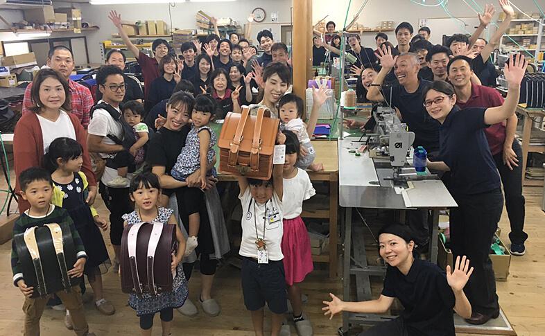 【鞄工房山本】奈良のランドセル工房にてランドセル贈呈式を開催しました!