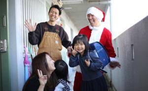 【鞄工房山本】サンタクロースがランドセルをお届けしました!